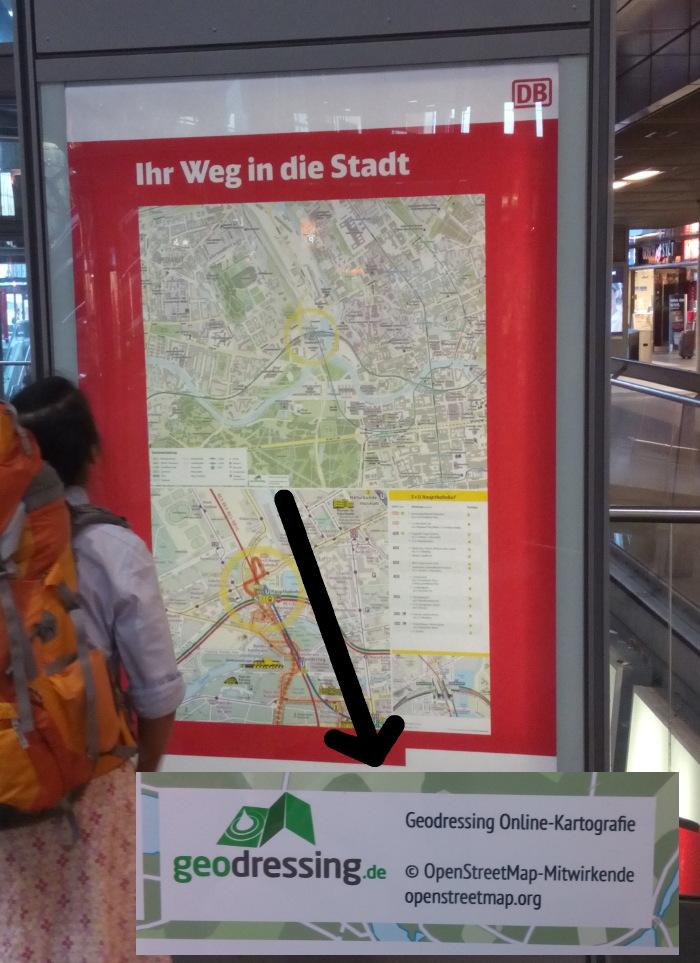 Foto: OpenStreetMap im Einsatz bei der Deutschen Bahn in Berlin Hauptbahnhof (Montage aus Bildern von User Shmias