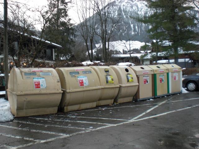 Die Recyclingcontainer von Language Teaching auf Flickr, CC-BY 2.0
