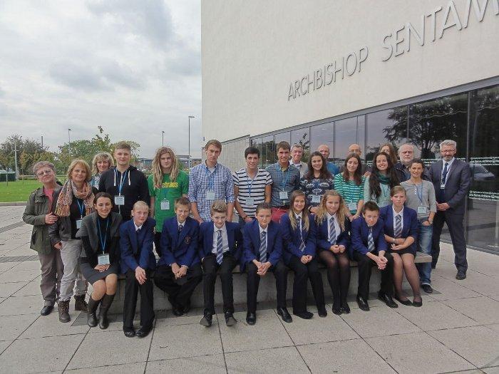 Gruppenfoto einiger Mitglieder des Comenius Projektes (England/Hull, 2014)